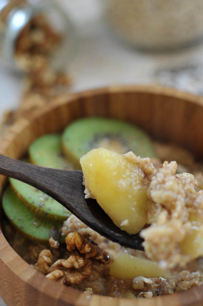 apple and cinnamon oatmea