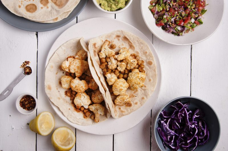 Cauliflower and Chickpeas Tacos + Tortilla recipe