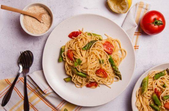 Vegan Asparagus ad Tomato spaghetti pasta